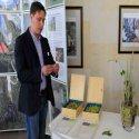 Hopfenbauer Andreas Dick führte auf anschauliche Art und Weise in den Anbau und die Verarbeitung des Bitburger Siegelhopfens ein